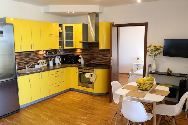 Love to cook? Not a problem in this kitchen!